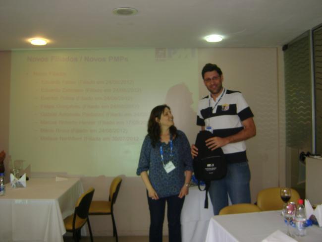Participações em eventos e apresentação de filiados marcaram o Almoce com PMI