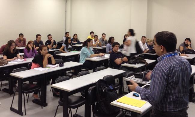 Apresentação para alunos da FACE (PUCRS)