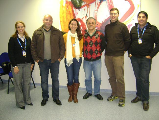 Lígia e Alex nas pontas, e voluntários presentes: Anderson, Mariela, Luiz e Fernando