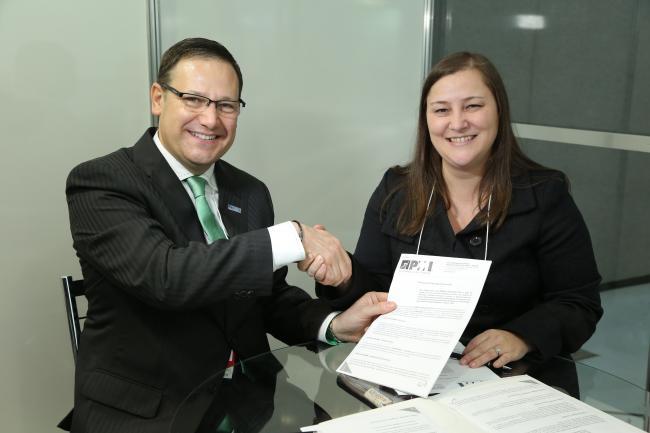 Contrato foi assinado durante 11ºSeminário de GP no dia 11.09